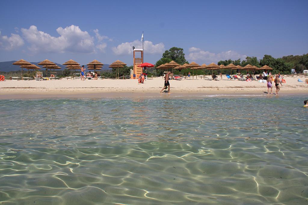 Noleggio Sdraio E Ombrelloni Normativa.La Spiaggia Attrezzata Del Villaggio Camping Capo Ferrato