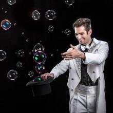 BUBBLE EXPERIENCE, spettacolo con le bolle di sapone.